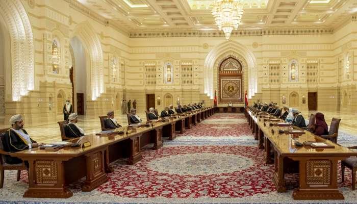 جلالة السلطان المعظم يوجه بدمج اللجنة العليا مع اللجنة المعنية بمعالجة الآثار الاقتصادية