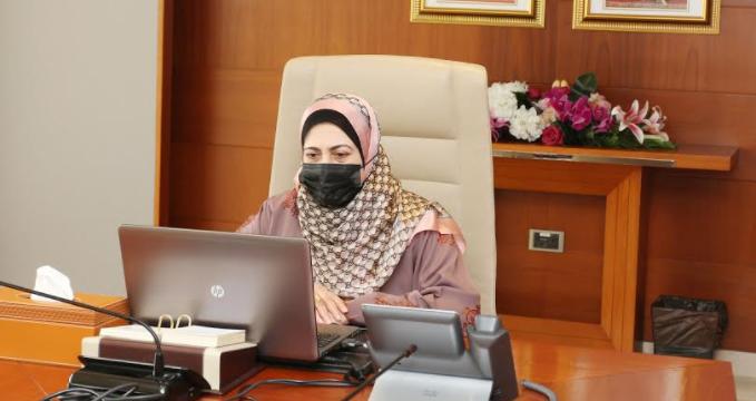 تدشين برنامج الحاضنة العلمية في جامعة السلطان قابوس