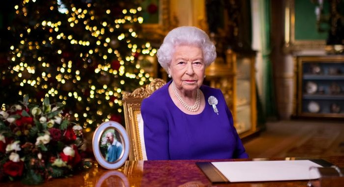 Queen's Christmas message: 'You are not alone'
