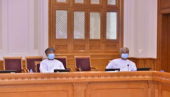 لجنة الخدمات بالشورى تناقش تنظيم ندوة للوقوف على واقع أنظمة الحماية الاجتماعية في السلطنة