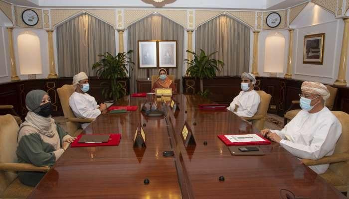 مجلس جامعة السلطان قابوس يقترح إقامة حفل التخرج على مدى 4 أيام
