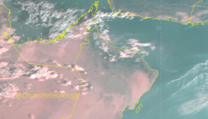 الطقس: تدفق و تكاثف السحب على شمال السلطنة