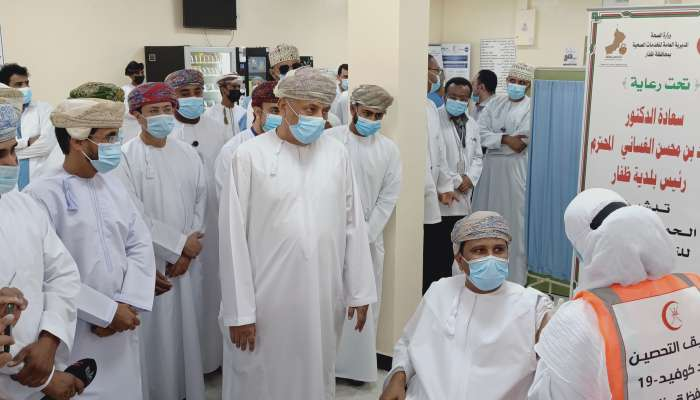 600 مستفيد من اللقاح بظفار بعد مرور 9 أيام