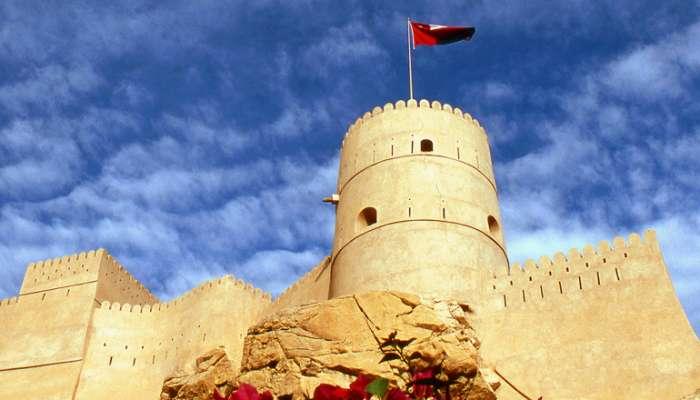 تعرف على إحصاءات زوار القلاع والمناظر الطبيعية والمسارح في السلطنة