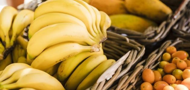 بدلا من التخلص منها.. فوائد مذهلة غير متوقعة لقشور الموز والبطاطس