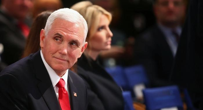 GOP Senators Urge Donald Trump To Resign; impeachment gains support