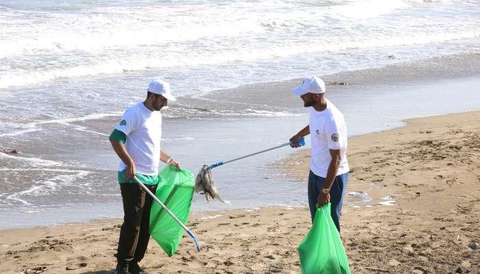 بلدية مسقط تدعم مبادرة بيئتك مسؤوليتك