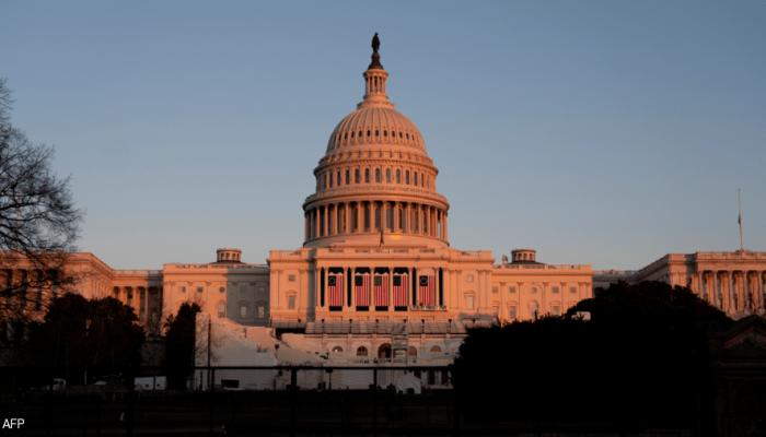 النواب الأمريكي يبدأ مناقشاته حول توجيه الاتهام إلى ترامب