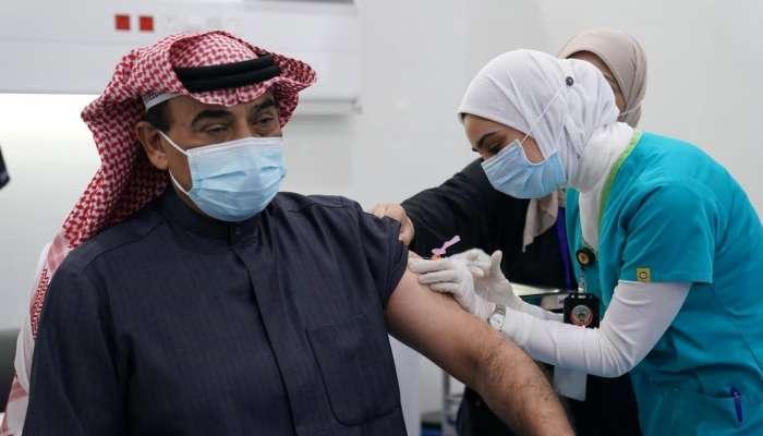 معتمدة عند السفر.. الكويت تمنح شهادة تطعيم لمن يتلقى الجرعة الثانية من لقاح كورونا