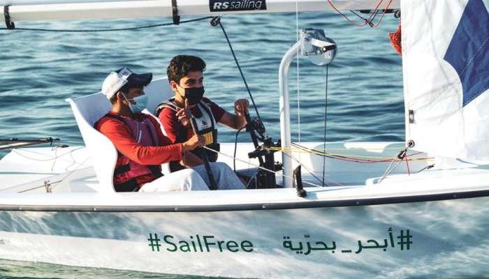 """عُمان للإبحار تستأنف برنامج """"أبحر بحرية"""" للأشخاص ذوي الإعاقة"""