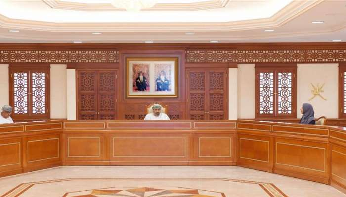 Sultanate extends closure of land borders for a week