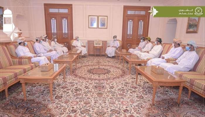 رئيس مجلس الشورى يستقبل عددًا من رواد الأعمال بالسلطنة