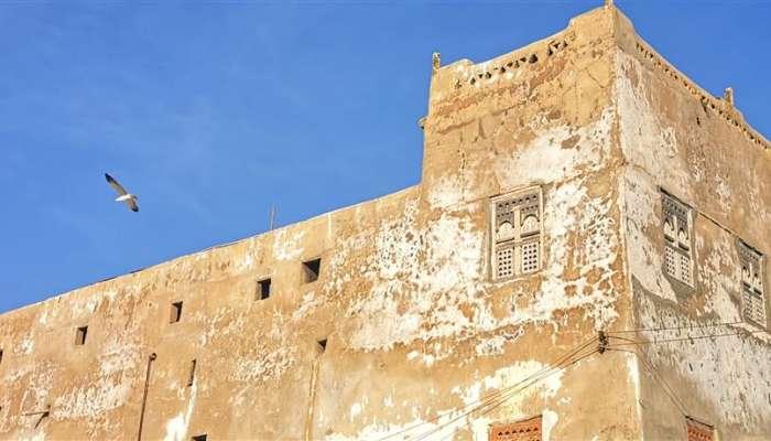 الطراز المعماري للمنازل بظفار قديما.. شواهد تاريخية لفنون العمارة العمانية