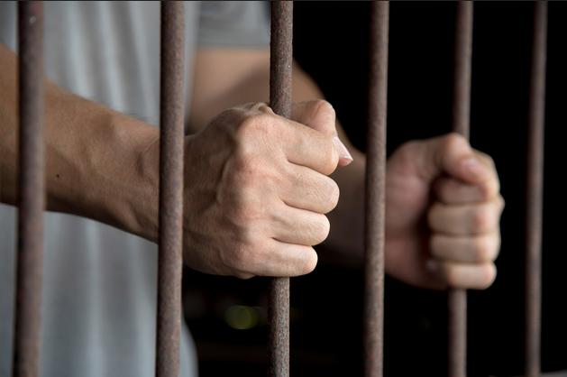 منها بلاغ من نزيل مصاب بكورونا.. حقوق الإنسان تتلقى بلاغات من السجون