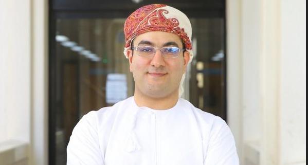 طبيب عماني: قد ترتفع الحالات بشكل صاروخي إن لم نلتزم .. وحالتان من السلالة الجديدة تحت التقصي الوبائي