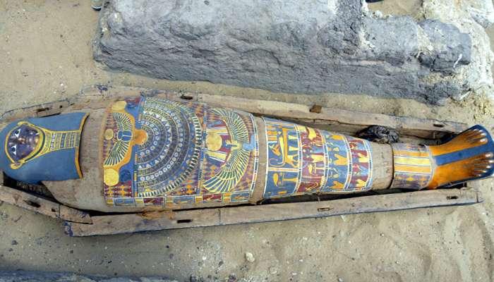 العثور على مومياء بلسان ذهبي في مصر