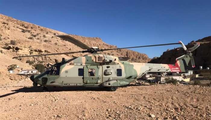 سلاح الجو يقوم بعملية نقل مواد طبية بمحافظة مسقط