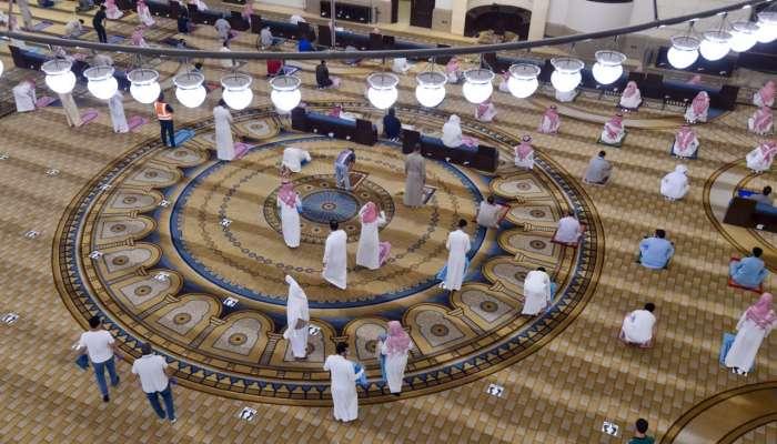 السعودية: إغلاق 10 مساجد بعد إصابة 18 ووفاة مؤذن جراء فيروس كورونا
