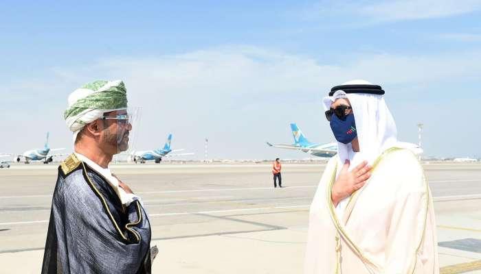 عبدالله بن زايد يصل السلطنة