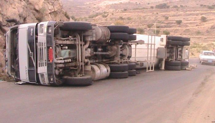 وفاة 16 شخصًا جراء انقلاب شاحنة في الهند