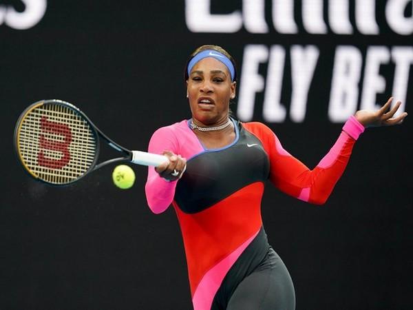 Serena Williams knocks Halep out, progresses to semis