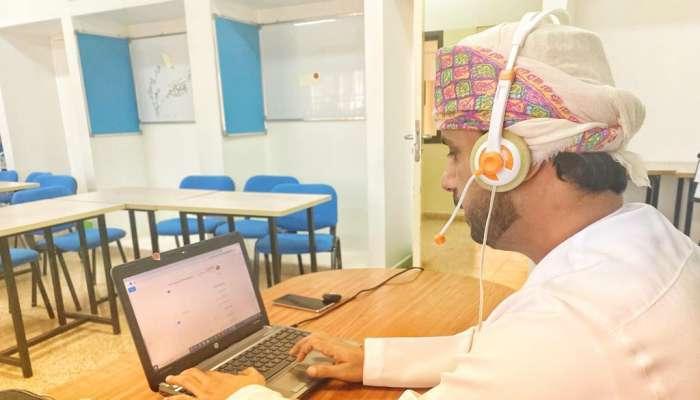تعليمية ظفار تنفذ البرنامج اللامركزي على مستوى المحافظة