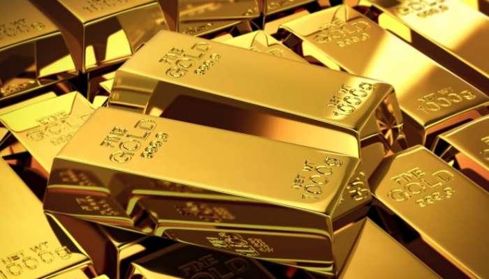 أسعار الذهب تنخفض مع اقتراب عوائد الخزانة الأمريكية من ذروة عام