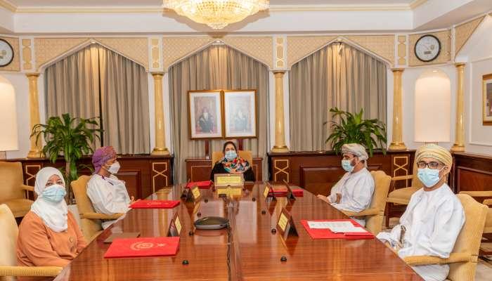 مجلس جامعة السلطان قابوس يعتمد عدة برامج أكاديمية.. ويعيد هيكلة برامج في الماجستير