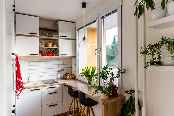 Decorate a small home without cluttering it