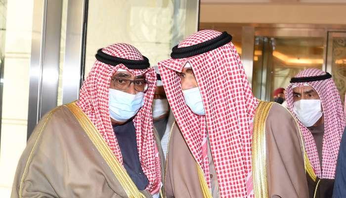 أمير الكويت يغادر بلاده لإجراء الفحوصات الطبية