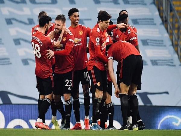 Premier League: United wins Manchester derby