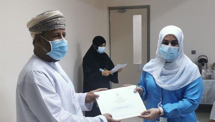 ختام الحملة الوطنية للكشف المبكر عن سرطان الثدي بمستشفى سمائل
