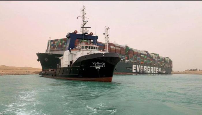 مصر تطالب بتعويض الخسائر الناجمة عن جنوح سفينة في قناة السويس