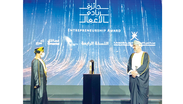 Young Omani entrepreneur's turban venture wins praise