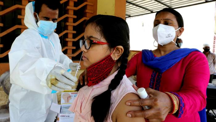الهند تسجل رقما قياسيا في الإصابات اليومية بكورونا