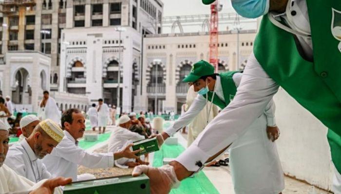 السعودية ترفع الطاقة الاستيعابية للحرمين الشريفين في رمضان