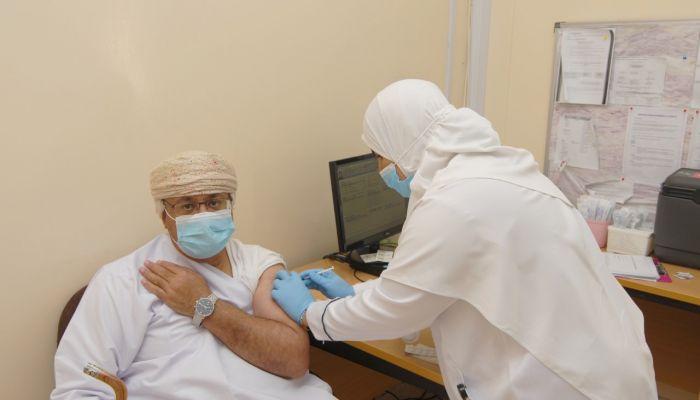 والي المضيبي: 3640عدد المستهدفين من التطعيم ضد فيروس كورونا بالولاية