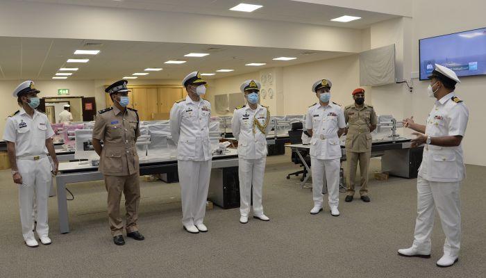 قائد البحرية السلطانية يستقبل قائد قوة الواجب المختلطة 151
