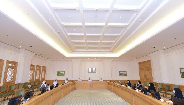 مجلس الدولة يدرس واقع التعليم عن بعد في السلطنة