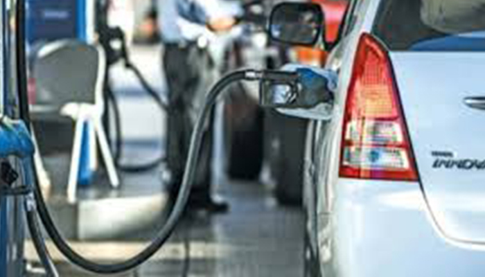 Oman to apply VAT on fuel