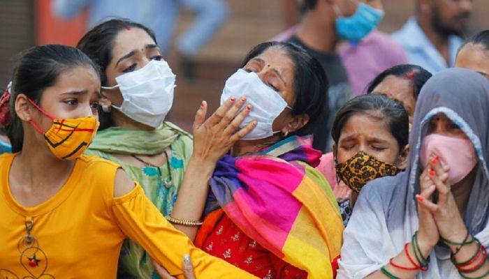 الهند تسجّل أكثر من 234 ألف إصابة جديدة بفيروس كورونا