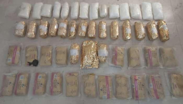Expats arrested for drug smuggling
