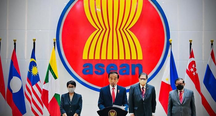 ASEAN countries urge Myanmar's military chief to end violence