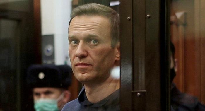 Russia suspends activities of Alexei Navalny's campaign groups