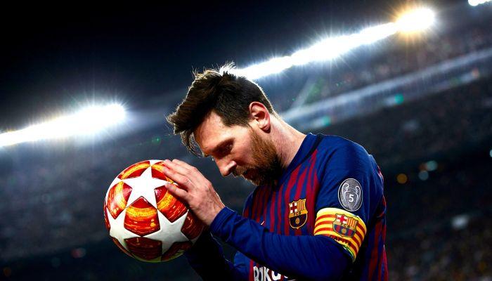 ميسي يبلغ برشلونة بقراره النهائي بشأن مستقبله