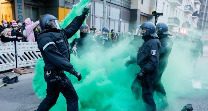 Berlin police denounce May Day violence