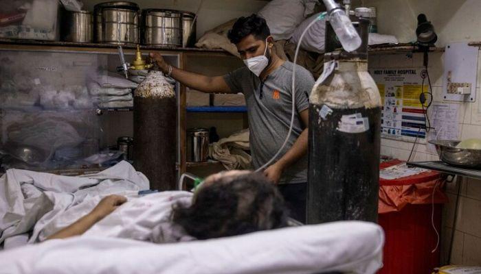 بريطانيا تسعف الهند بأجهزة التنفس بعد أن أحكم كورونا الخناق عليها