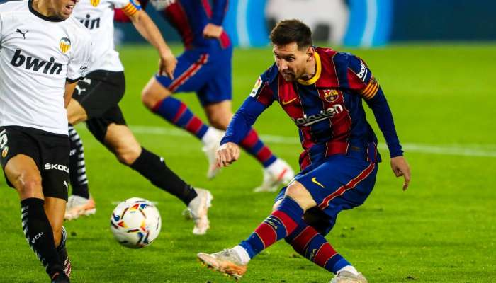 Barcelona come from behind to keep La Liga hopes alive