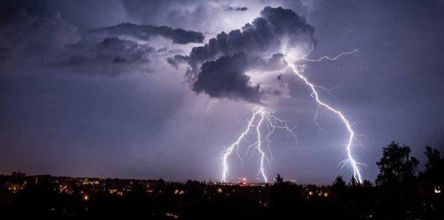 خطوات مهمة للتخفيف والحد من مخاطر العواصف الرعدية