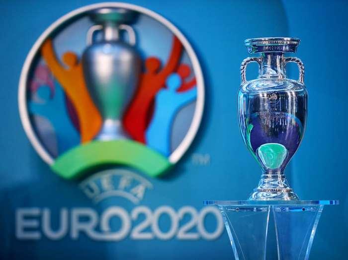 """""""يويفا"""" يسمح بضم 26 لاعبًا لكل منتخب بكأس أوروبا"""